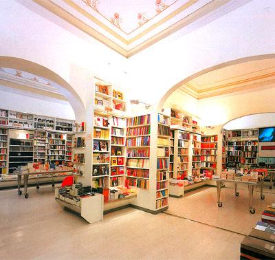 """Il libraio si """"reinventa"""" ai tempi del web"""
