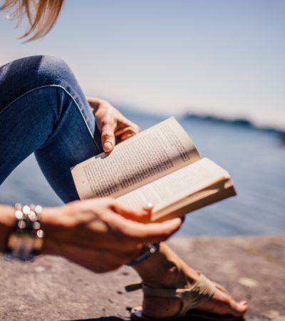 Strategaweb vi augura buone vacanze! Ecco i nostri consigli di lettura per l'estate #donne da leggere